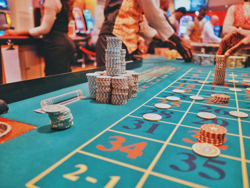 dominoqq betting